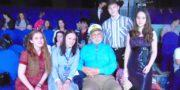 Бедрос Киркоров вручил дипломы юным пластовчанам
