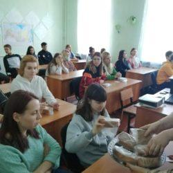 Пластовские студенты присоединились к Всероссийской акции «Блокадный хлеб»